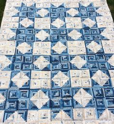 """So this is what I did with all those 4 1/2"""" Log Cabin blocks. I used Edyta Sitar's fabric Blue Sky! My favorite!!! Happy 4th of July!! #karenrantis #laundrybasketquilts #andoverfabrics #quilt #logcabinquilt #stars #edytasitar@edytasitar"""