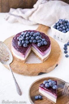 This No-Bake Vegan Blueberry is a beautiful and easy-to-make Paleo + vegan cheesecake made with soaked cashews! The cheesecake layers are lusciously smooth and creamy with a tart, fruity topping. Spring Desserts, Summer Dessert Recipes, Mini Desserts, Vegan Desserts, Delicious Desserts, Fancy Chocolate Desserts, Impressive Desserts, Beautiful Desserts, Vegan Blueberry