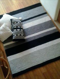 Diy Crochet Rug, Crochet Carpet, Diy Carpet, Rugs On Carpet, Baby Knitting Patterns, Crochet Patterns, Crochet Furniture, Crochet World, Knitted Blankets