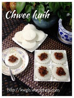 Another Singapore Malaysia Hawker Food–Chwee Kueh or Steamed Rice Cake With Preserved Radish - Guai Shu Shu Rice Cake Recipes, Rice Desserts, Asian Desserts, No Cook Desserts, Rice Cakes, No Cook Meals, Dessert Recipes, Chinese Desserts, Kids Cooking Party