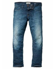 SNATCH – REGULAR – SUNBURN Numéro de l'article: 13050185056 Ce Snatch à la pointe de l'excellence se mariera à merveille au reste de votre garde-robe. La touche vert clair, les éraflures aux cuisses et les reliefs visuels donnent à ce jeans un vrai caractère masculin. Ajoutez une chemise à carreaux et les filles tomberont immédiatement sous votre charme !  Composition de l'article : 100 % coton http://webstore-fr.scotch-soda.com/men-collection/snatch-regular-sunburn.html?color=3649
