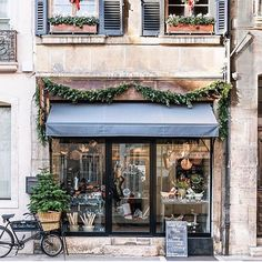 Not sure if this strictly a coffee or patisserie place but it's too beautiful not to share . By @sliceofpai in Beaune, France #caffeinecouture