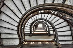 Frank Lloyd Wright, Rookery Building, Chicago, Sprial staircase