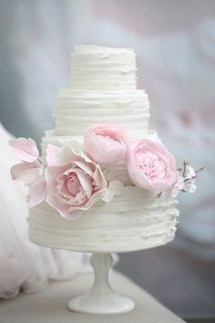 romantic ruffled cake