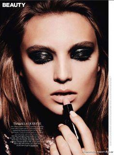 Ojos negros húmedos, Tendencia 2015. #maquilladoresCiudadReal #CiudadReal #tendencia2015