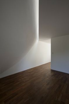 Light and architecture. View House by Johnston Marklee & Diego Arraigada Arquitecto.