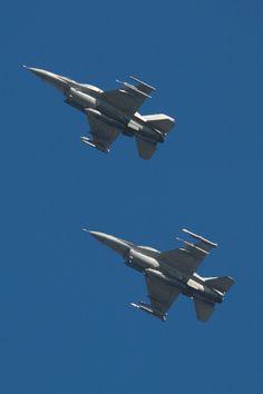 F16 x 2