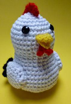 Chicken - Free Amigurumi Pattern here: http://sunmoonamigurumi.blogspot.de/2014/05/pattern-amigurumi-chicken.html
