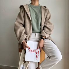Korean Style**Korean Fashion**Korean Beauty shared by 𝓇𝒶𝒻𝒶𝑒𝓁𝓁𝒶 ☾ Simple Outfits, New Outfits, Trendy Outfits, Cute Outfits, Fashion Outfits, Aesthetic Fashion, Aesthetic Clothes, Mein Style, Korean Outfits