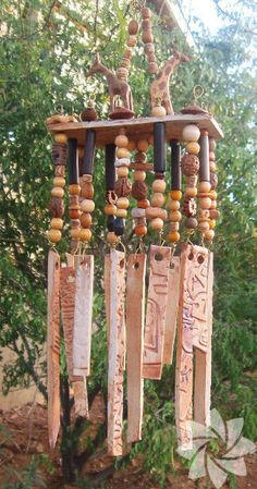 Clay Projects, Diy Craft Projects, Ceramic Pottery, Pottery Art, Mobiles, Pottery Workshop, Diy Wind Chimes, Hand Built Pottery, Garden Deco