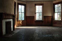 Ashburn GA Turner County Evans Applewhite House Folk Victorian Queen Anne Architecture Mansion House Abandoned Interior Tile Mantle Chair Rails Picture Image Photo © Brian Brown Vanishing South Georgia USA 2012