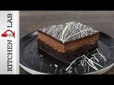 Chocolate poke cake by the Greek chef Akis Petretzikis. Make easily and quickly this traditional recipe for a dessert called sokolatina, full of chocolate! Greek Sweets, Rolls, Cooking Recipes, Favorite Recipes, Chocolate, Dinner, Cake, Desserts, Food