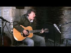 Steve Winwood - 'Can't Find My Way Home'