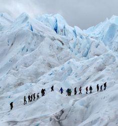 Mini-trekking on Perito Moreno glacier Bolivia Travel, Argentina Travel, Stuff To Do, Things To Do, In Patagonia, Amazing Destinations, Travel Guides, Trekking, El Calafate