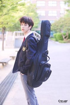 ❝Kak Hyunjin, the most annoying Senior❞ ㅡнωαиg нуυиʝιи &… # Short Story # amreading # books # wattpad Joo Haknyeon, Kim Young, Korean K Pop, Fandom, Ulzzang Boy, Kpop Boy, School Uniform, Handsome Boys, K Idols