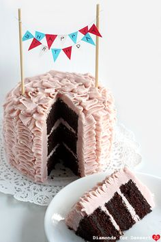 Would love to try making this tiny birthday sign for the next birthday cake I make.