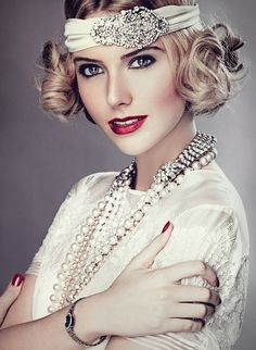 17 Showy Vintage Hairstyles Gatsby Style - All For Simple Hair Bob Updo Hairstyles, Great Gatsby Hairstyles, Updo Hairstyles Tutorials, Vintage Hairstyles, Wedding Hairstyles, Makeup Hairstyle, Roaring 20s Fashion, Great Gatsby Fashion, The Great Gatsby