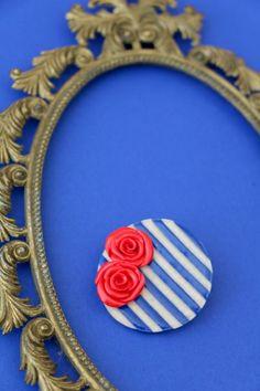 Pin Up Brosche/Haarspange aus Fimo von MeMagic's auf DaWanda.com