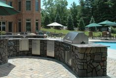 Why Choose a Built-in BBQ for Your Outdoor Kitchen? http://www.hometalk.com/3333136/why-choose-a-built-in-bbq-for-your-outdoor-kitchen