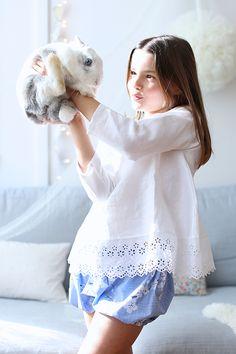 http://carolinebriel.com/cinqmai/ PHOTO : CAROLINE BRIEL Tunique et Bloomer : La Princesse au petit pois