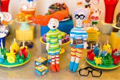 Paulo Tatit e Sandra Peres, cantores que formam o Palavra Cantada, viraram bonecos de feltro, que foram costurados à mão especialmente para o aniversário. A criação foi da Scrap Encanto