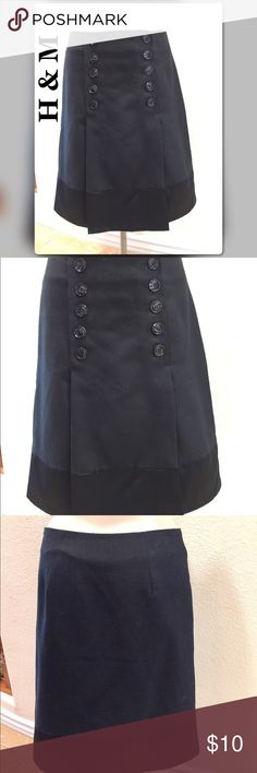 H & M Black Button Up Skirt Buttons give this a clean, classic look. H & M Skirts Midi