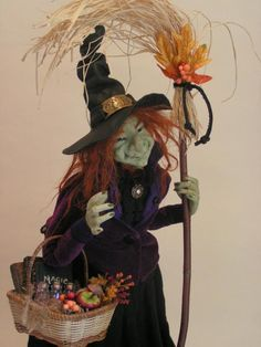 """Millicent"" A Halloween Miniature witch by Joyce McBride - Fete Halloween, Halloween Doll, Holidays Halloween, Vintage Halloween, Halloween Crafts, Halloween Decorations, Halloween Witches, Happy Halloween, Haunted Dollhouse"