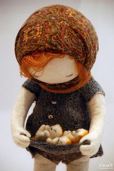 Needle Felted Girl with Kittens by Irina Andeeva OH MY GOSH this is amazing!