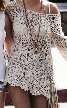 Hermoso blusón en cuadros a crochet, especial para un día de playa.