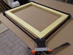 Home-Dzine - How to make professional picture frames. http://www.home-dzine.co.za/diy/diy-biscuitframe.htm#