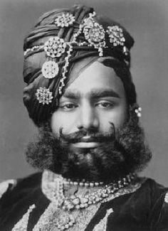 All doll - 1893 H. Raja Shrimant Sir Ranjit Singhji Sahib Bahadur, Raja of Ratlam *** By Rohit Sonkiya Turbans, Royal Indian, Photos Originales, History Of India, India Asia, Vintage India, Vogue, Royal Jewels, Costume
