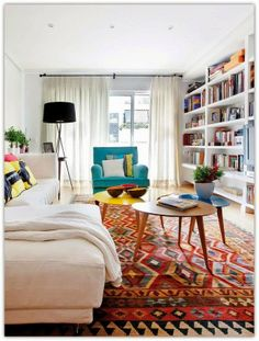 Art Symphony: Cheerful and Colorful Apartment in Spain