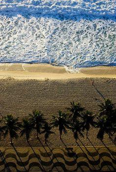 Praia de Copacabana - Rio de Janeiro (byAperture Photo)
