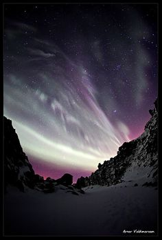 Purple Aurora Borealis | Photo by Arnar Valdimarsson  on flickr | Permission: CC BY-NC-ND 2.0 http://creativecommons.org/licenses/by-nc-nd/2.0/deed.de