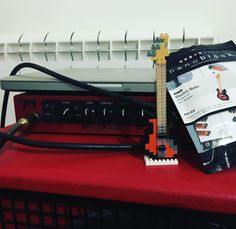 "44 mentions J'aime, 1 commentaires - Federico Maniscalco (@fedefender) sur Instagram: ""#nanoblock #dorco #japan #bass #proamp #instabass #minibass #music #pio #jazzbass #instamusic…"""