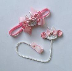 Diy Hair Accessories Ribbon, Diy Hair Bows, Diy Bow, Diy Ribbon, Ribbon Bows, Bead Embroidery Patterns, Bead Embroidery Jewelry, Beaded Embroidery, Cute Crafts