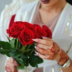 Mehndi Designs, latest mehndi design,new style,rose mehndi design Rose Mehndi Designs, Modern Mehndi Designs, Latest Mehndi Designs, Beautiful Roses, Beautiful Hands, Romantic Roses, Beautiful Saree, Full Hand Mehndi, Dps For Girls