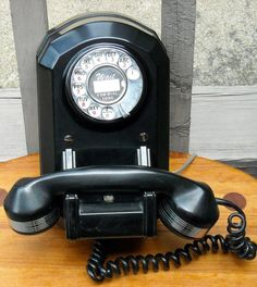 VINTAGE 1937 ART DECO WALL PHONE WESTERN by woolmountaindestash
