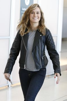 Brie Larson - Seen arriving at Toronto International Airport - 9/16/15