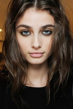 Taylor Marie Hill - Beauty at Versace Fall 2015 | MFW.