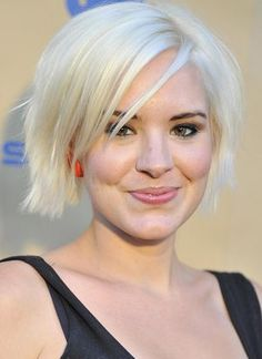 If you're considering platinum hair, use this photo gallery of celebrities with the bold color for inspiration. See if this look will flatter you.: Brea Grant