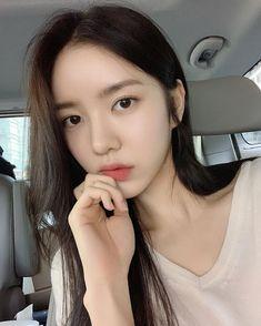 Kpop Fashion Outfits, Girl Fashion, Face Claims, Ulzzang Girl, Little Sisters, Girl Photos, Korean Girl, Cute Girls, Besties