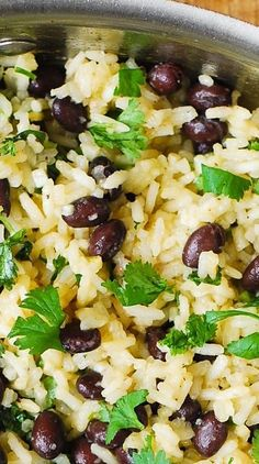 Cilantro-Lime Black Bean Rice - sautéed onion with butter added rice for a few minutes then added liquids and cook. Salsa chicken, shredded cheese, salsa or pico and a mexi ranch dressing. Rice Side Dishes, Vegetable Side Dishes, Food Dishes, Vegetarian Rice Dishes, Fajita Side Dishes, Steak Side Dishes, Mexican Side Dishes, Vegan Side Dishes, Dinner Side Dishes