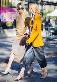 Le foulard : toujours pendu à votre cou : Assorti au blazer