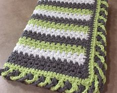 Crochet Blankets For Men Striped Baby Blanket Pattern w/ Crisscross Edge - Crochet Blanket Edging, Crochet Baby Blanket Free Pattern, Crochet For Beginners Blanket, Crochet Basics, Crochet Edges For Blankets, Crochet Edgings, Blue Baby Blanket, Bernat Baby Blanket, Blanket Yarn