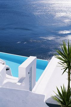 Santorini, Greece - 10 Fascinating Places To Visit One Day