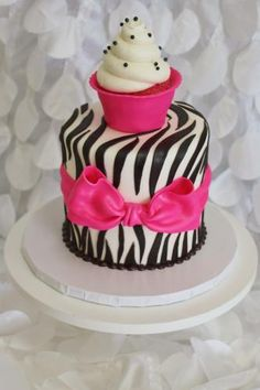 Baby girl's first birthday cake, how cute would that be?