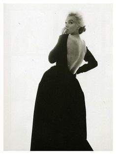 marilyn monroe with classy black dress