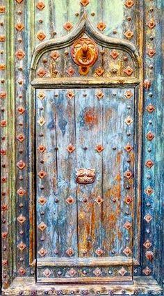 61 ideas old door knobs ideas patinas Cool Doors, Unique Doors, Old Door Knobs, Door Handles, When One Door Closes, Door Detail, Knobs And Knockers, Door Gate, Closed Doors