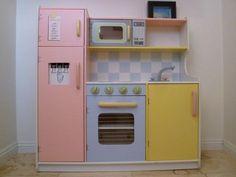 Children's Kitchen play set: $50  Cupertino, CA  Children's Kitchen by Melissa & Doug. Like new.
